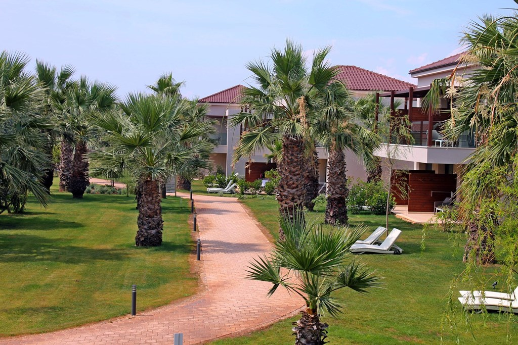 Almyros Beach Resort & Spa - 8