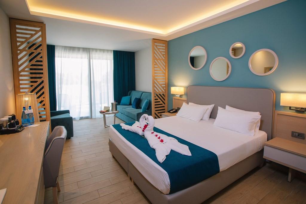 Almyros Beach Resort & Spa - 58