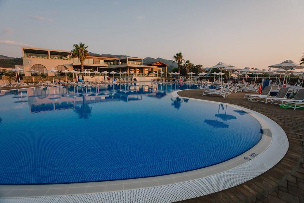 Almyros Beach Resort & Spa - 7