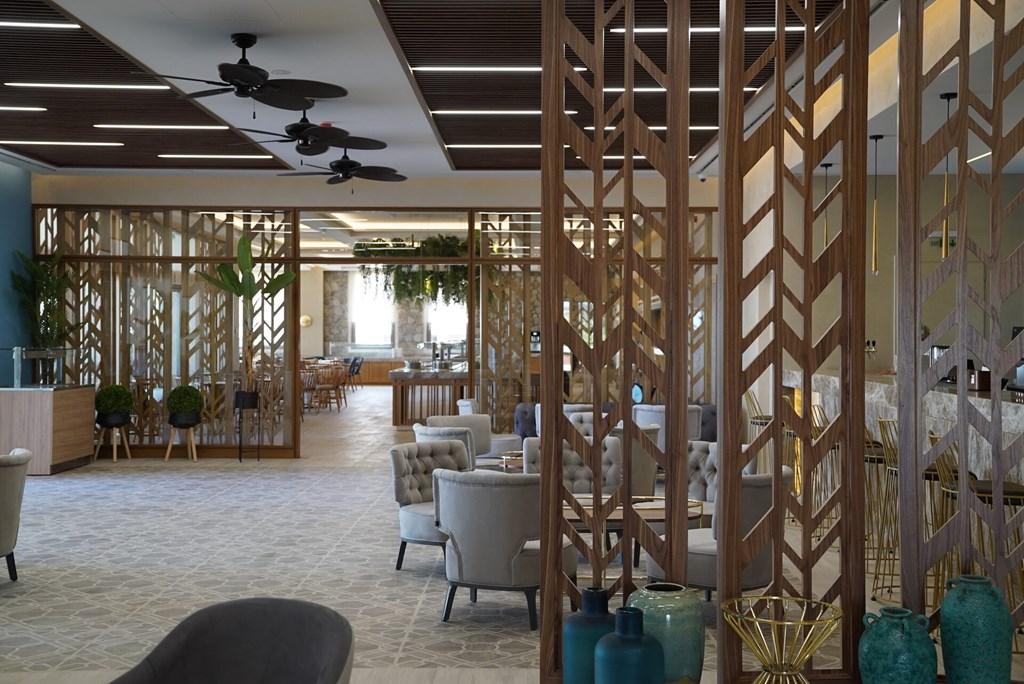 Almyros Beach Resort & Spa - 12