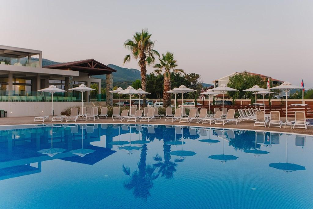 Almyros Beach Resort & Spa - 5