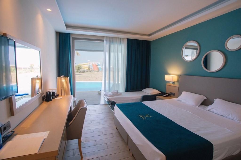 Almyros Beach Resort & Spa - 39