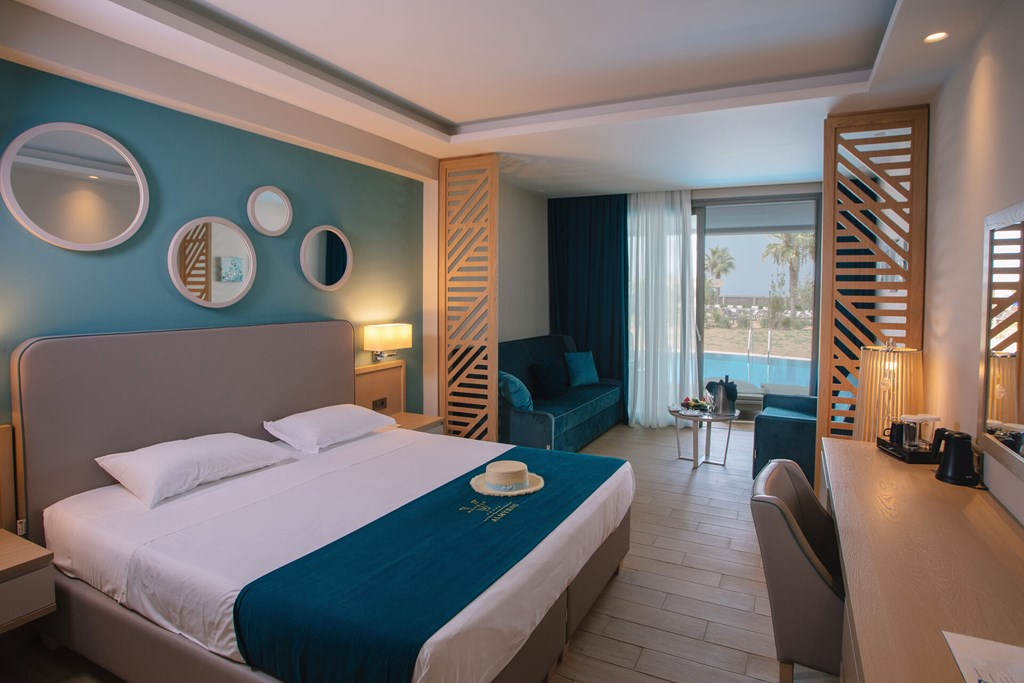 Almyros Beach Resort & Spa - 44