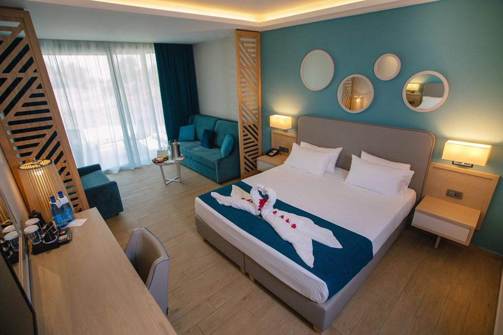 Almyros Beach Resort & Spa - 60