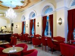 Grande Bretagne Hotel - photo 8