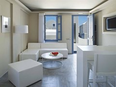 Acroterra Rosa Luxury Suite - photo 17