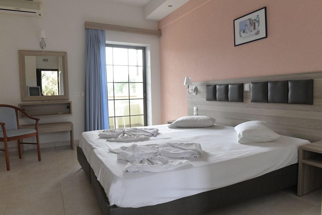 Sithonia Village Hotel - 9