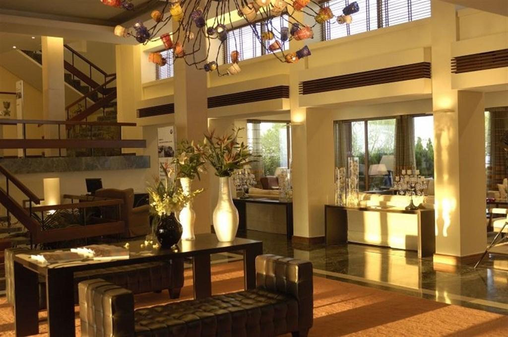 Grand Resort Lagonissi - 11