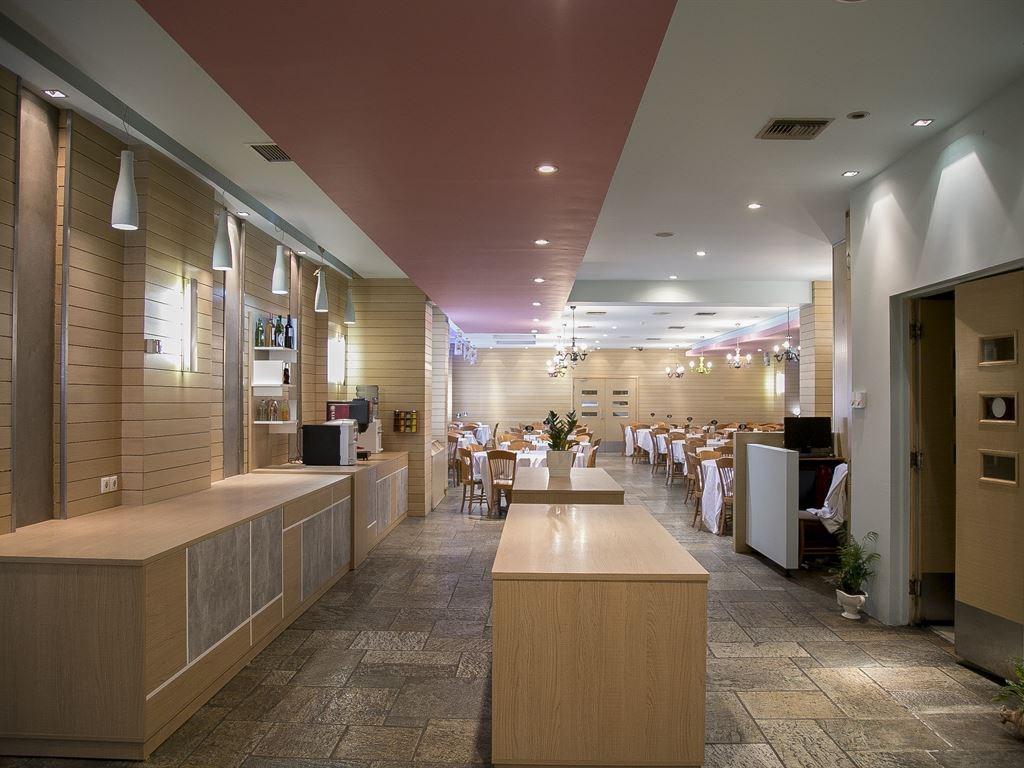 Antoniadis Hotel - 9