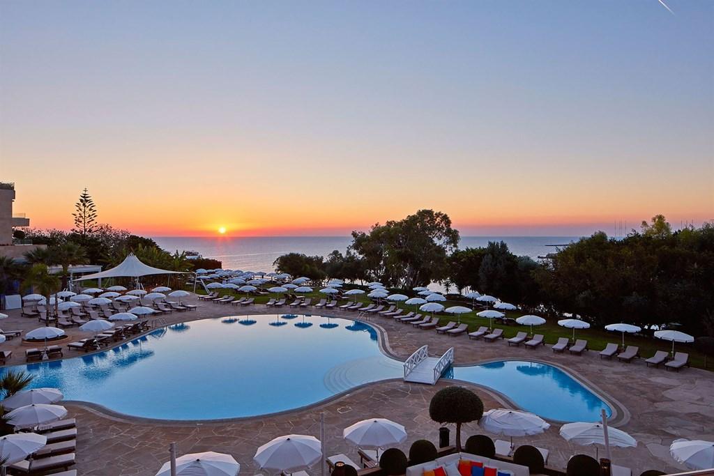 Grecian Park Hotel - 4