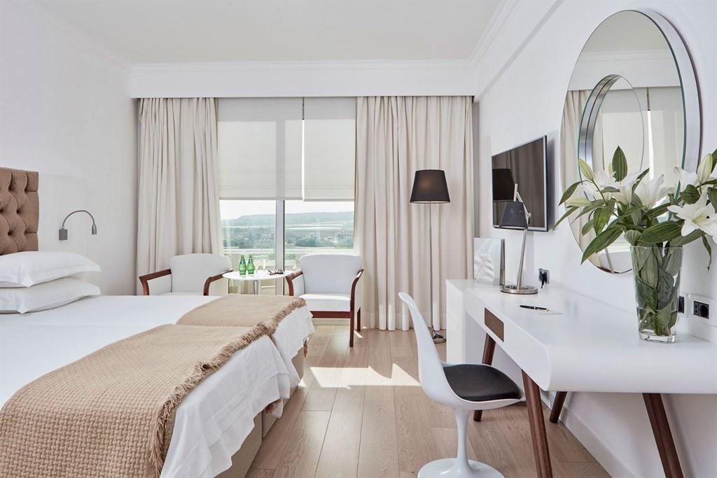 Grecian Park Hotel - 31