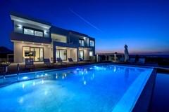 Thea Sunrise Luxury Villa - photo 19