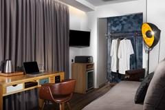 360 Degrees Pop Art Hotel - photo 16