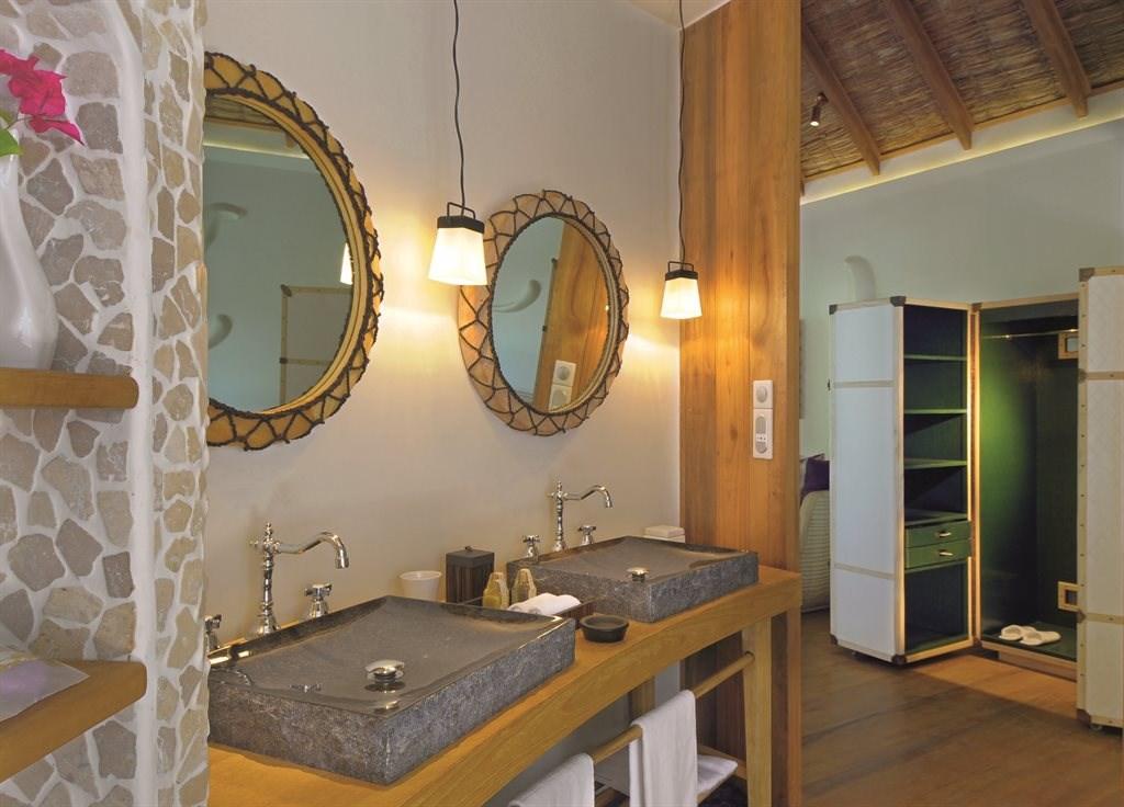 Constance Moofushi Resort - 21