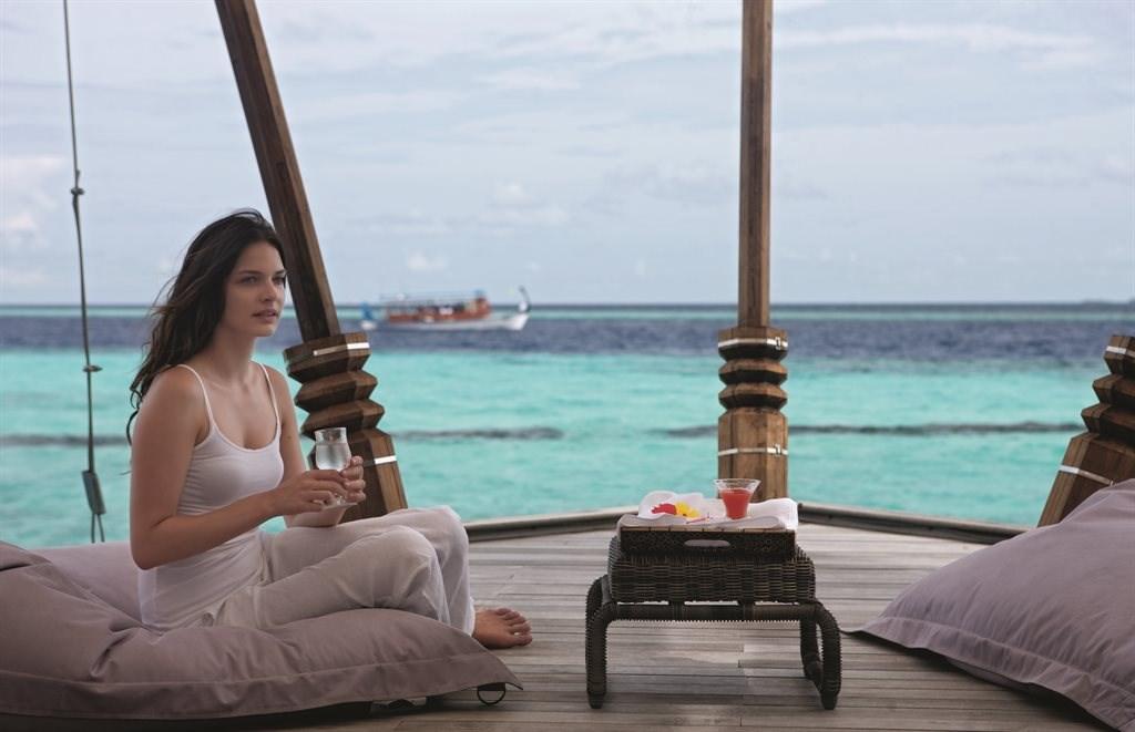 Constance Moofushi Resort - 54