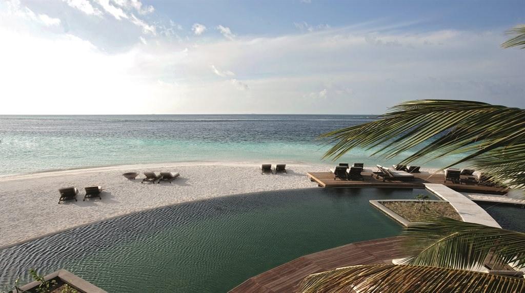 Constance Moofushi Resort - 38