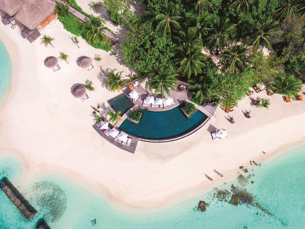 Constance Moofushi Resort - 7