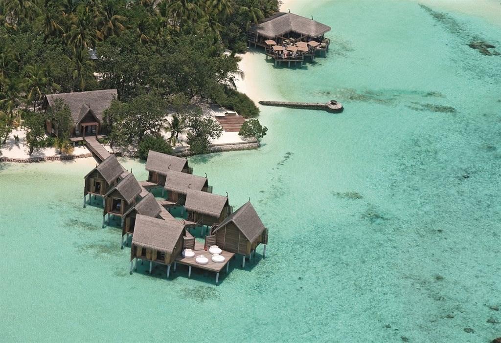 Constance Moofushi Resort - 14