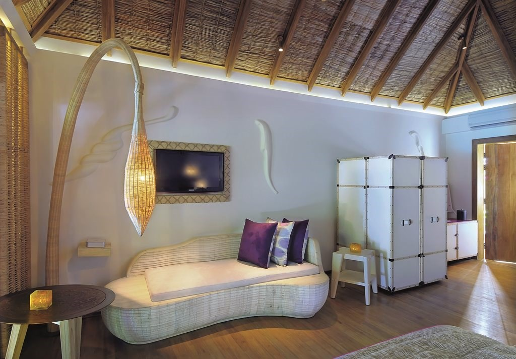 Constance Moofushi Resort - 15