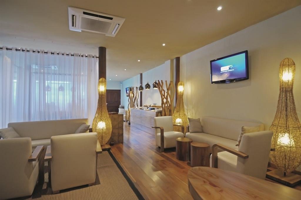 Constance Moofushi Resort - 75