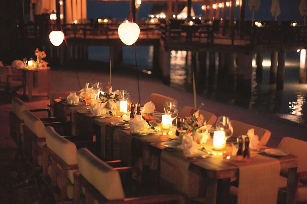 Constance Moofushi Resort - 76