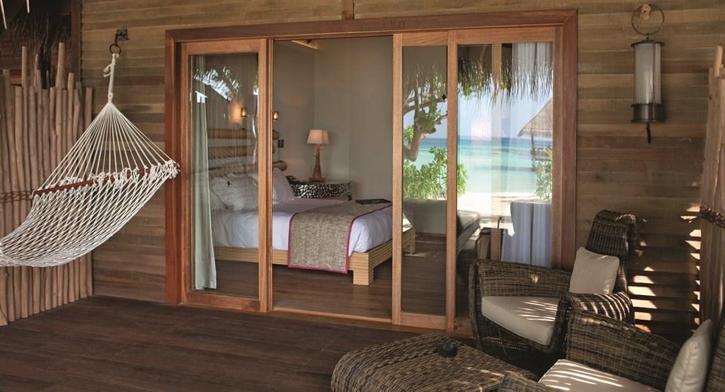 Constance Moofushi Resort - 23