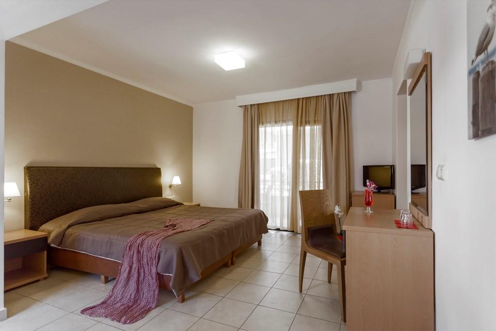Lagomandra Beach & Suites - 45