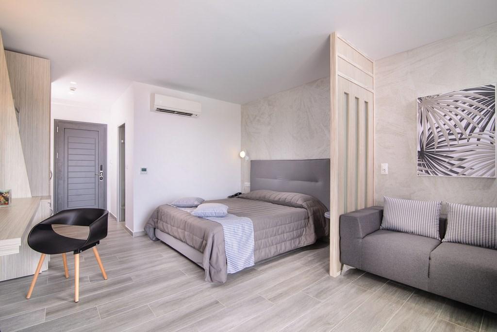Lagomandra Beach & Suites - 29