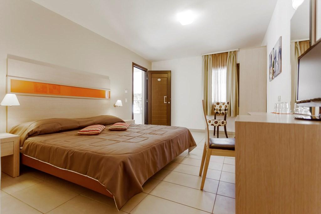 Lagomandra Beach & Suites - 47