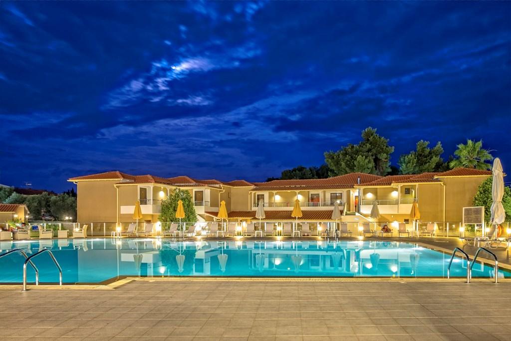 Lagomandra Beach & Suites - 6