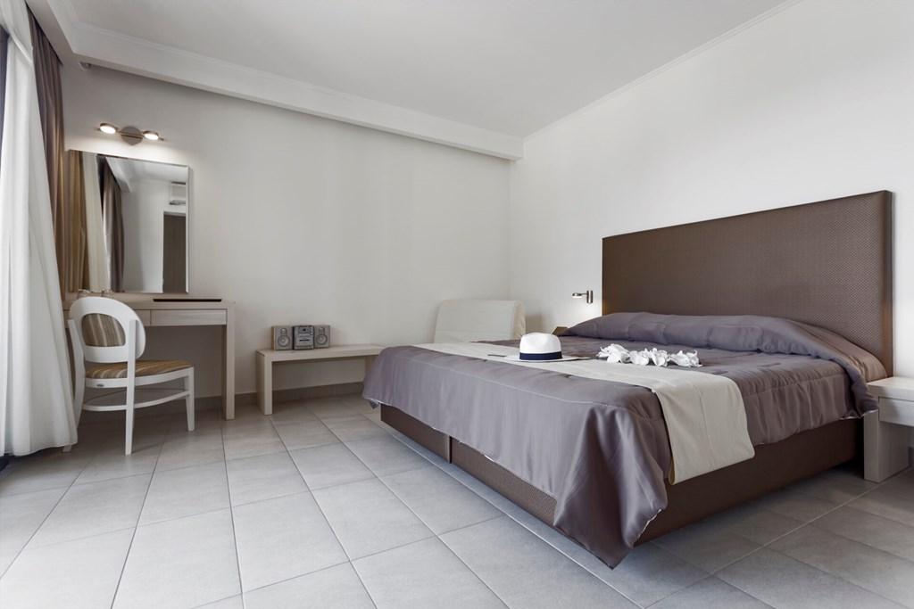 Lagomandra Beach & Suites - 25
