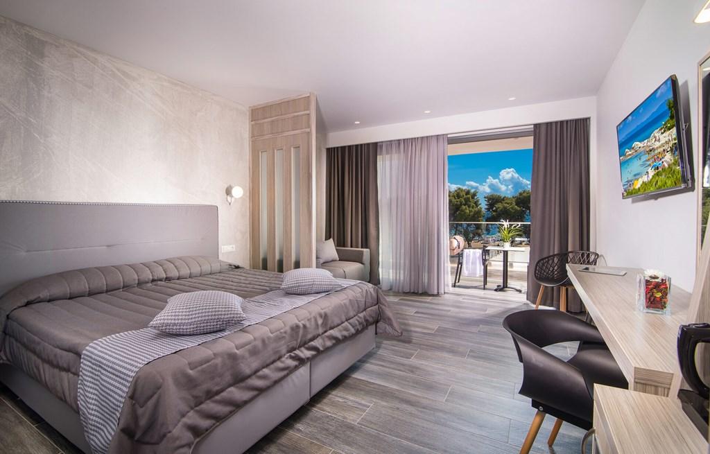Lagomandra Beach & Suites - 34