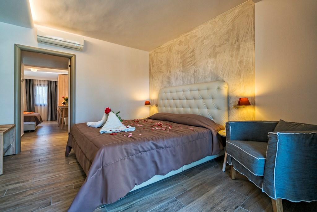 Lagomandra Beach & Suites - 20