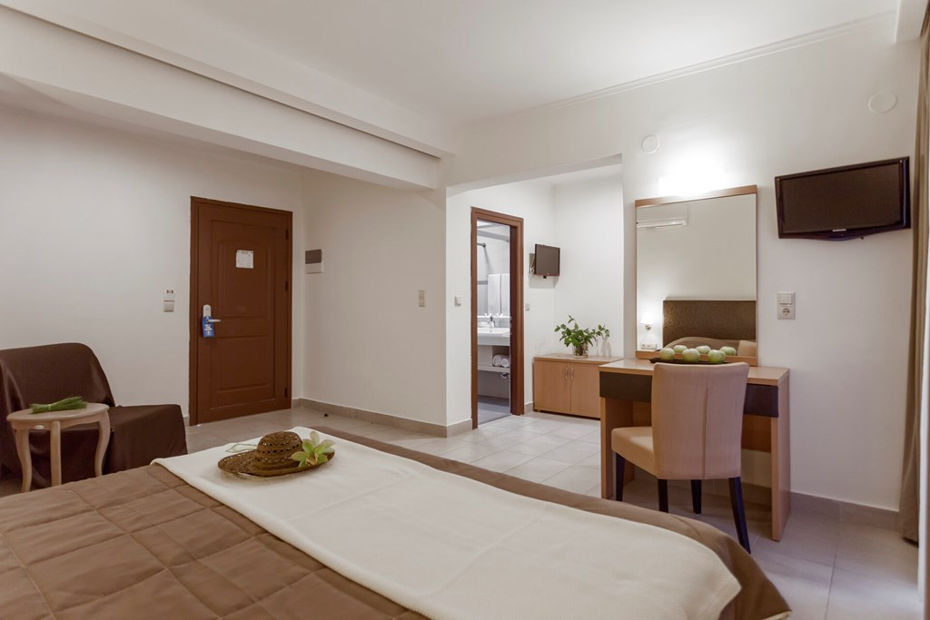 Lagomandra Beach & Suites - 23