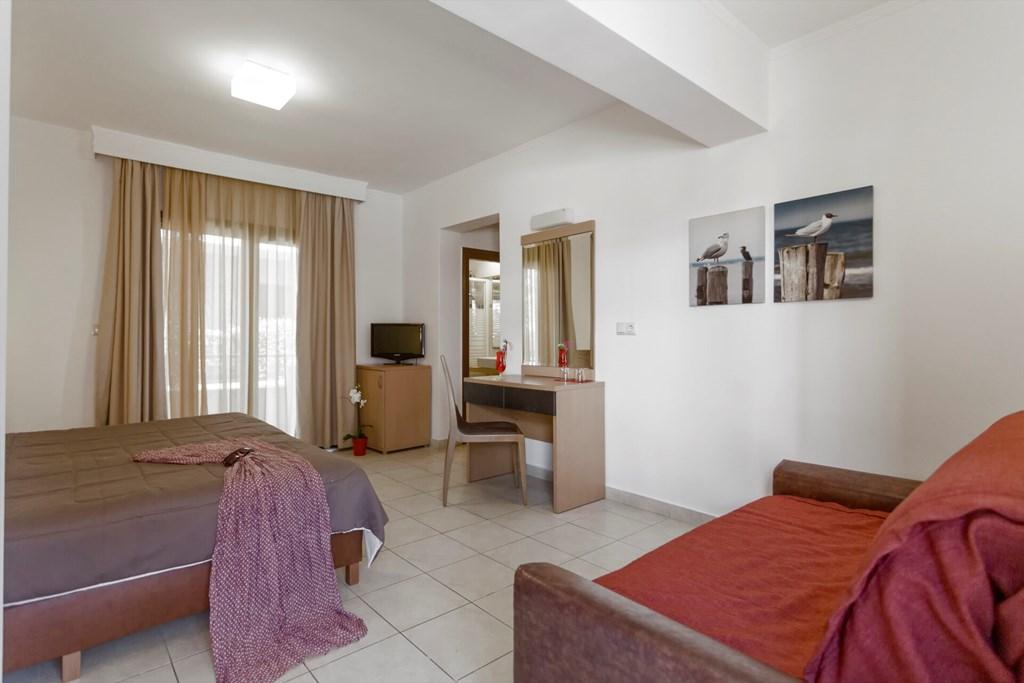Lagomandra Beach & Suites - 32