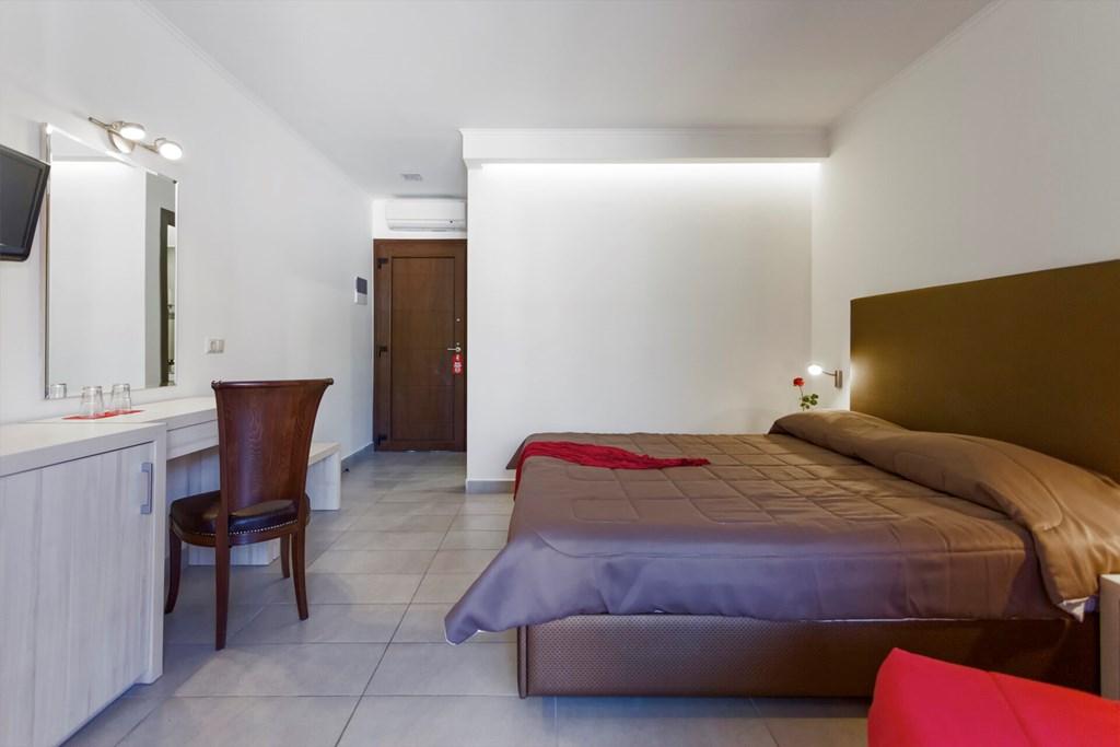 Lagomandra Beach & Suites - 26