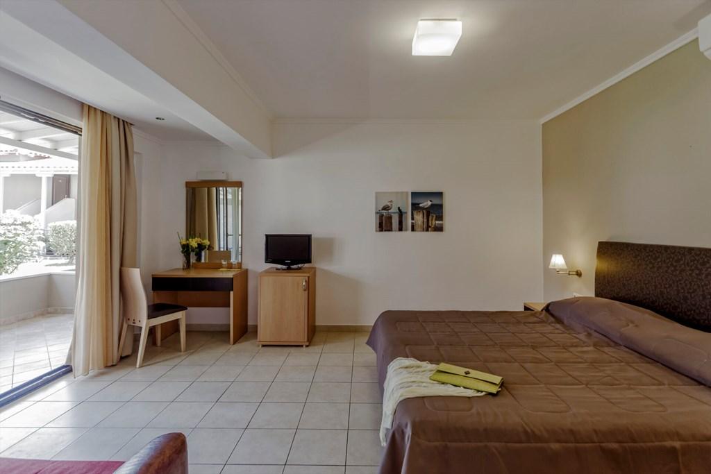 Lagomandra Beach & Suites - 31