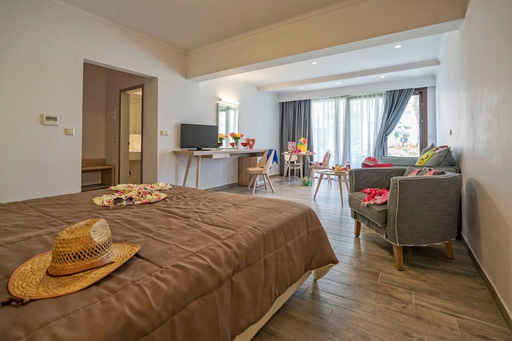 Lagomandra Beach & Suites - 28