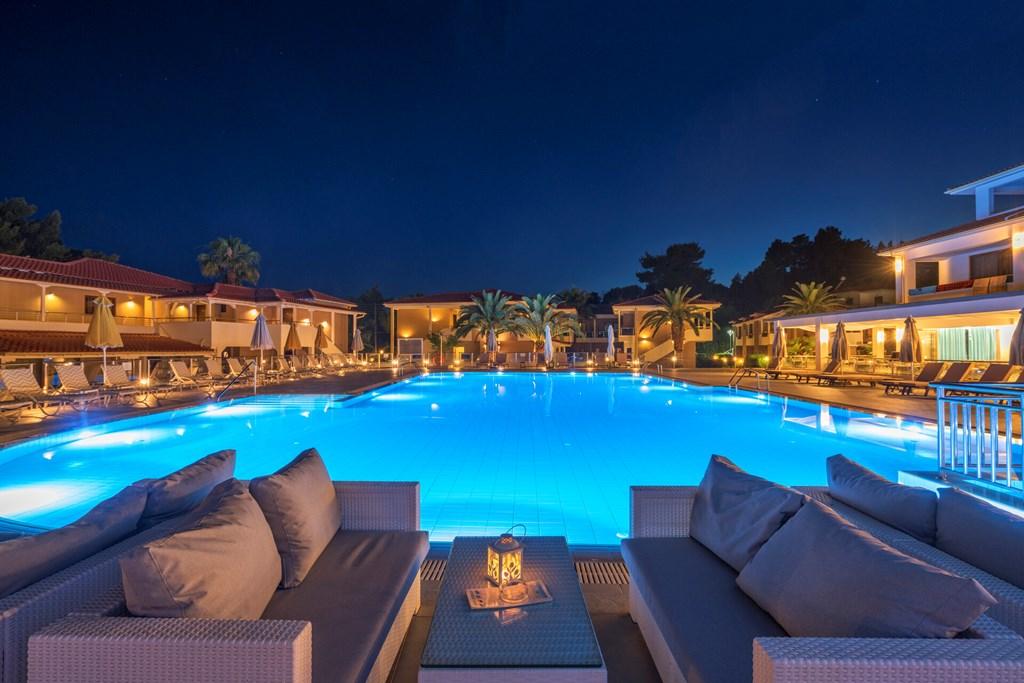 Lagomandra Beach & Suites - 9