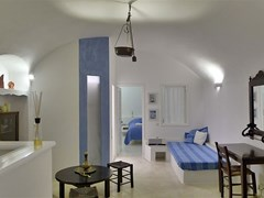 Altana Traditional Houses & Suites - photo 16