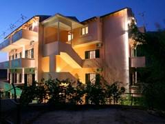 Alexis Apartments  - photo 1
