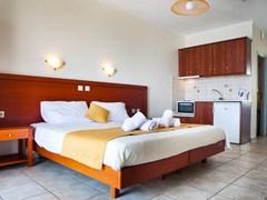 Olive Bay Hotel - photo 8