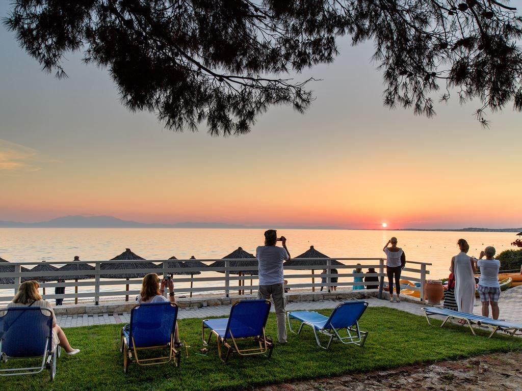 Portes Beach Hotel - 11