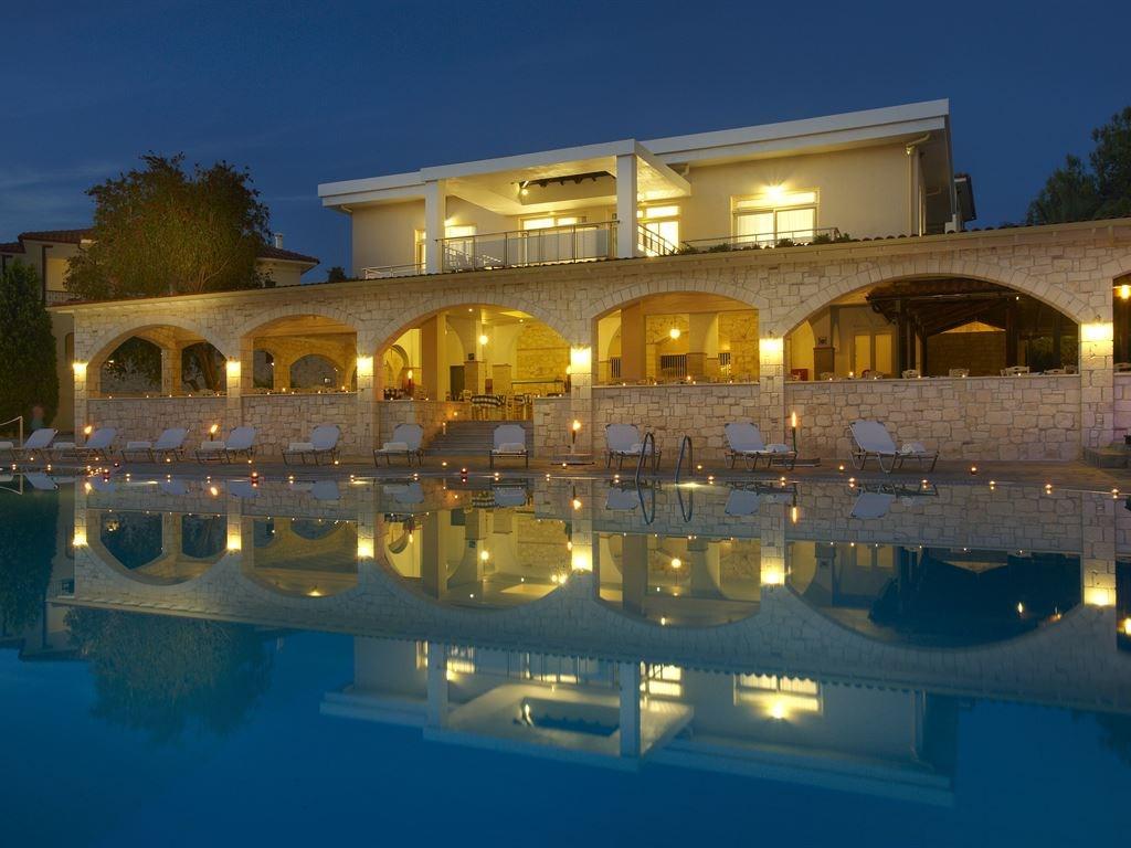 Portes Beach Hotel - 12