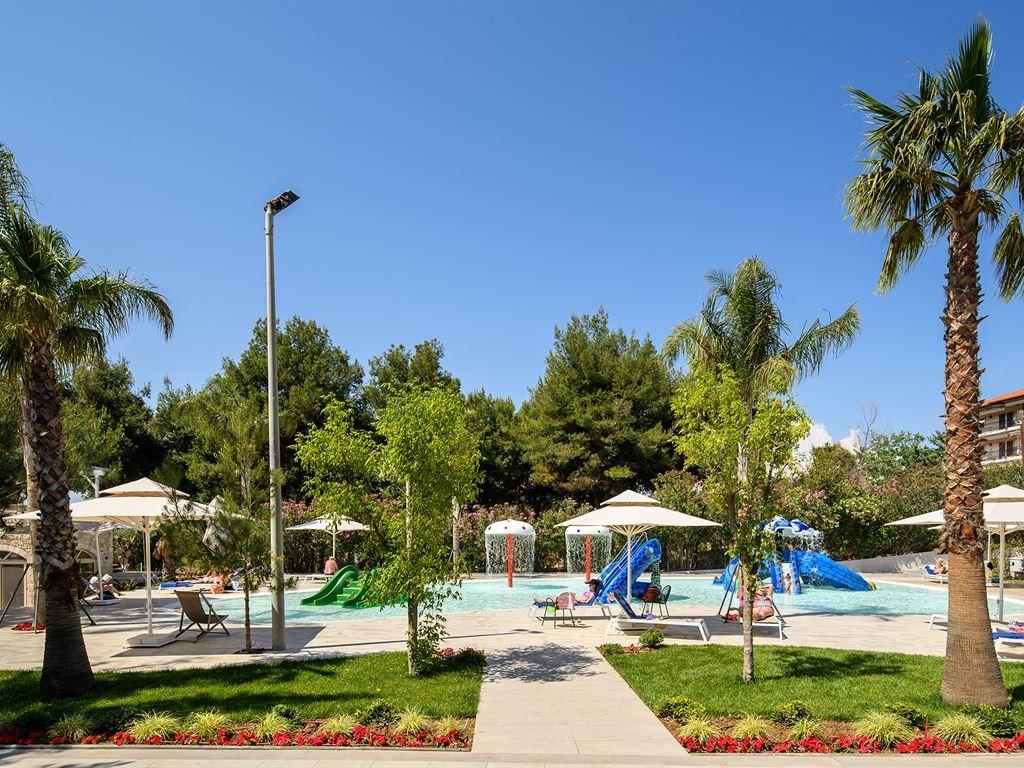Portes Beach Hotel - 6