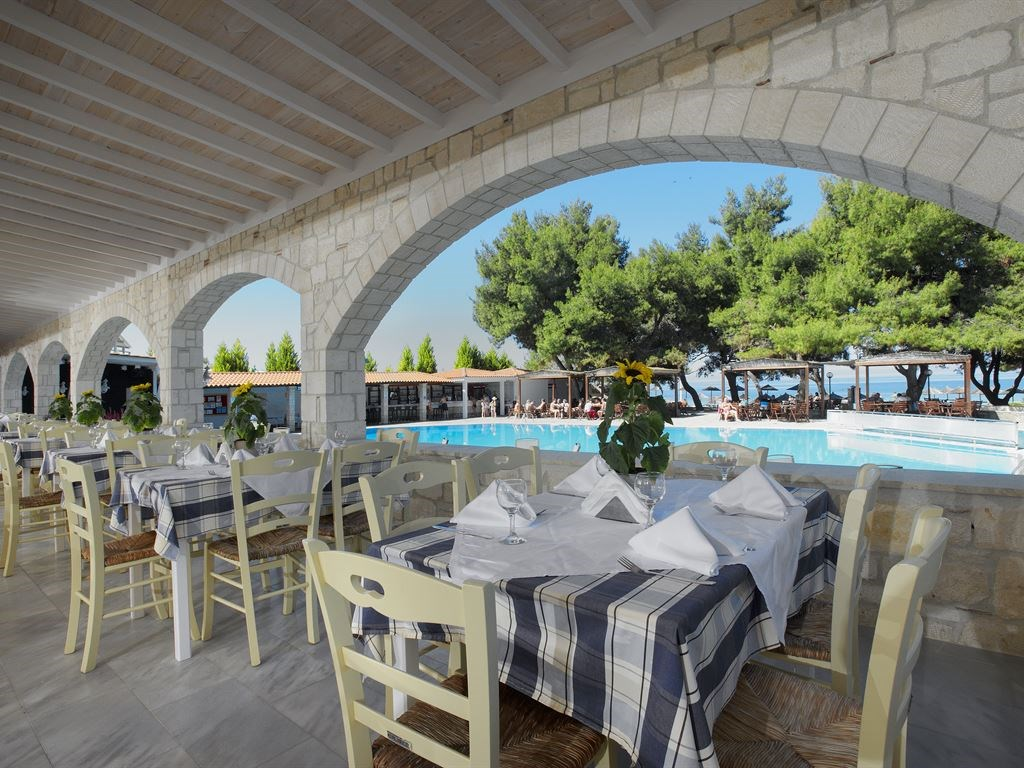 Portes Beach Hotel - 21