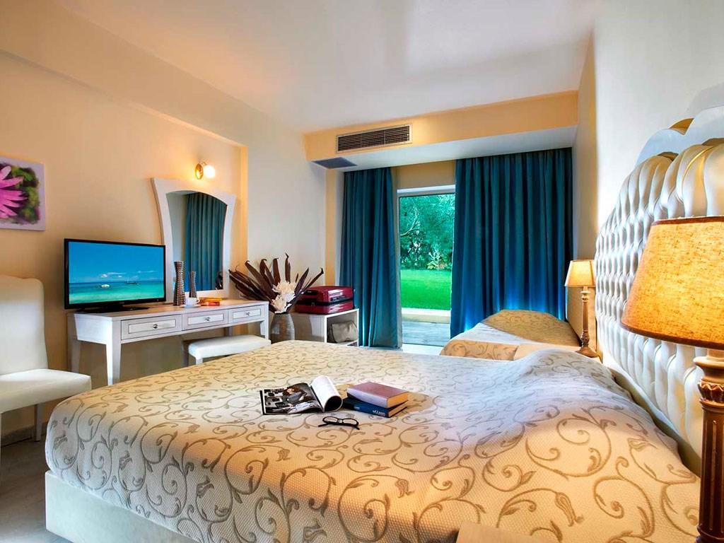 Portes Beach Hotel - 32