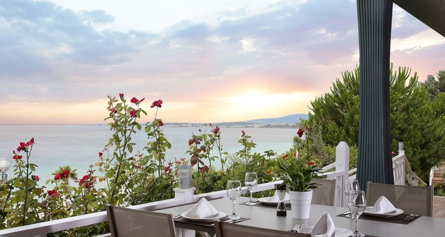 Pomegranate Wellness Spa Hotel: Poseidon Terrace