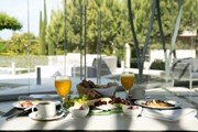 Pomegranate Wellness Spa Hotel: Breakfast Terrace