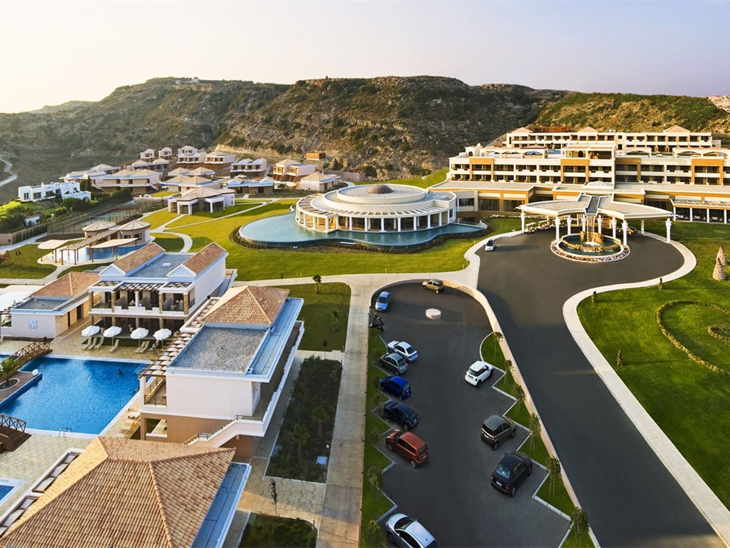 La Marquise Luxury Resort Complex - 1